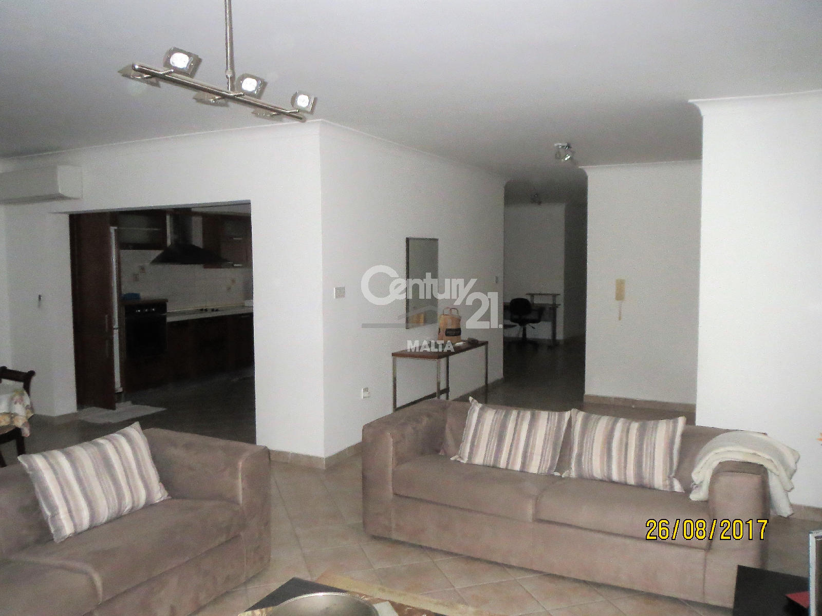 010CF10767–Furnished Apartment