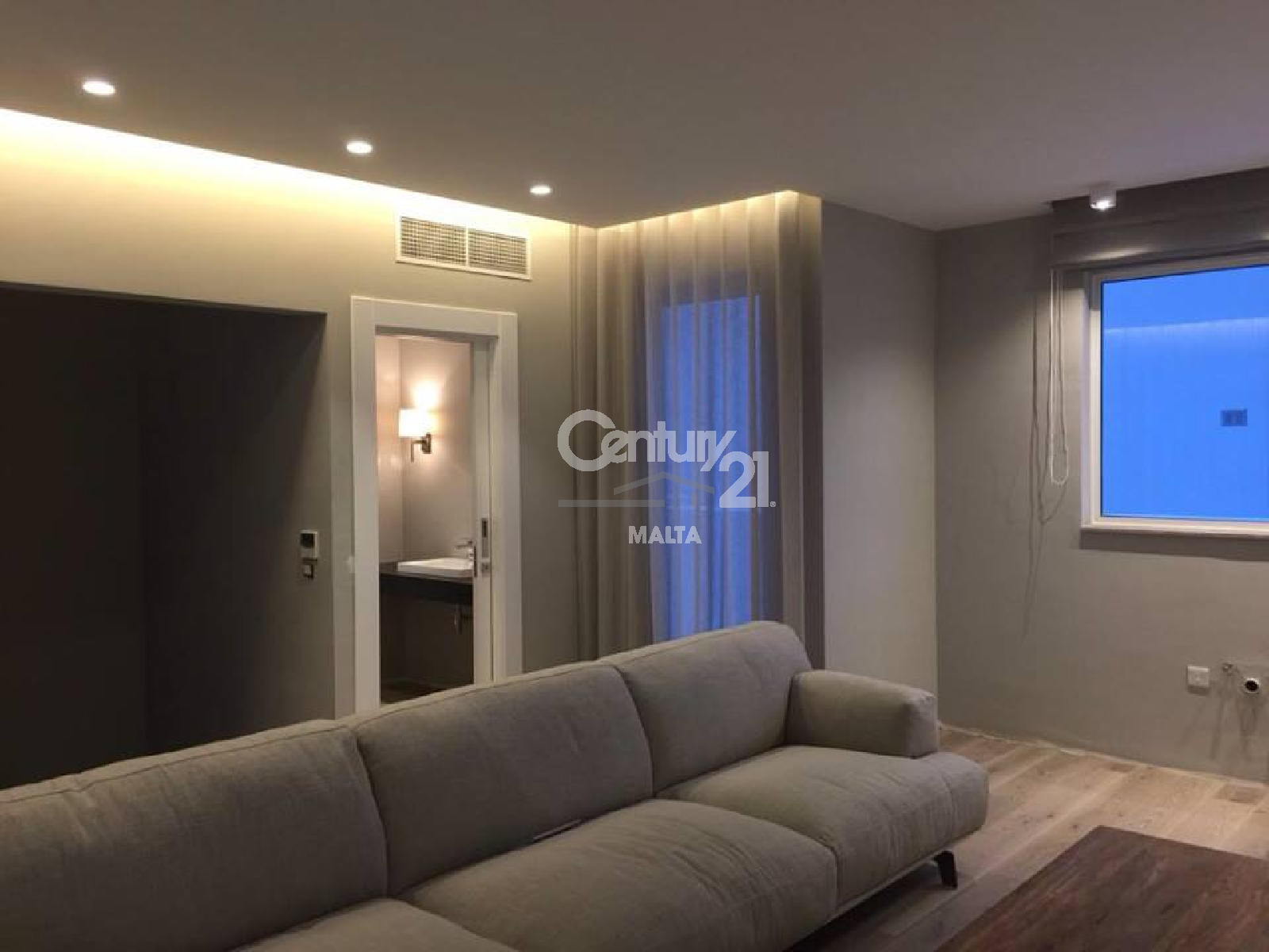 013CF11273–Furnished Duplex Penthouse